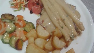 fileto_solomoy_me_sparagia_kai_krema_lemonioy_enosi_gastronomias_ellados