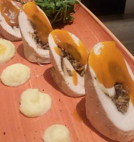 kotopoylo_gemisto_me_kapnisth_panseta_enosi_gastronomias_ellados