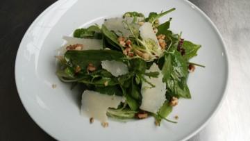 salata_me_spanaki_pastoyrma_kai_prosoyto_enosi_gastronomias_ellados