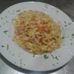 taliateles_me_kapnisto_solomo_enosi_gastronomias_ellados