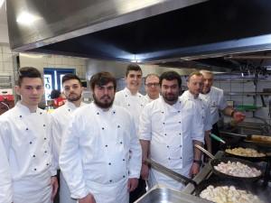 mia_vradia_gia_ta_paidia_tis_flogas_1_enosi_gastronomias_ellados
