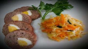 rolo_kima_me_ayga_kai_salata_laxano_karoto_enosi_gastronomias_ellados